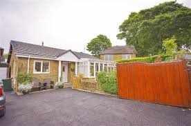 3 bedroom detached bungalow for sale in rings street loveclough