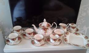 country roses tea set royal albert country roses tea set in pewsey wiltshire