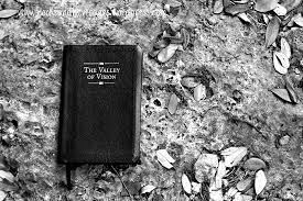 valley of vision puritan prayers valley of vision puritans jpg w 1086