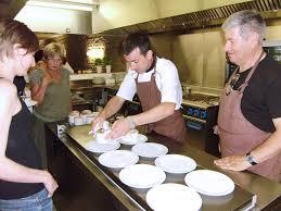 cours de cuisine nevers tomate et chocolat un lieu entre gourmandise et partage