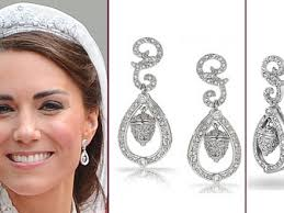 kate middleton s earrings 44 kate middleton replica earrings kate wears gold coat dress for