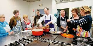 cours de cuisine dans les landes ils passent à la casserole pour la valentin sud ouest fr