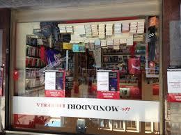 mondadori librerie libreria mondadori presentazione libro anime di vetro nuovo