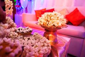 Cheap Wedding Centerpiece Ideas Super Glam Ideas For Your Wedding Centerpieces My Wedding Planning