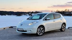 nissan leaf ev range 2016 nissan leaf could benefit from larger battery and 105 mile
