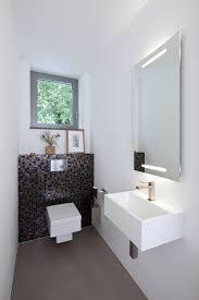 wandgestaltung gäste wc die besten 25 mosaikfliesen ideen auf wandfliesen