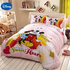 chambre minnie mouse dessin animé de disney mickey et minnie mouse literie