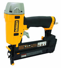 dewalt dwfp12231 pneumatic 18 gauge 2 inch brad nailer kit power