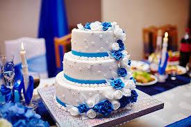 wedding cake royal blue 7 royal blue wedding decorations for a truly regal look