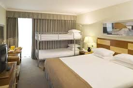 Gatwick Airport Hotels Family Rooms Save With HolidayExtrascom - Hilton family room