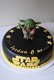 star wars cake cakes with yoda are really popular right now