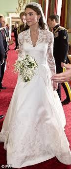 calvin klein wedding dresses kate middleton calvin klein wants to dress all american duchess
