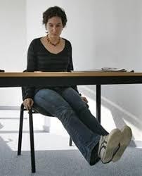 faire du sport au bureau 1 jambes parallèles au sol