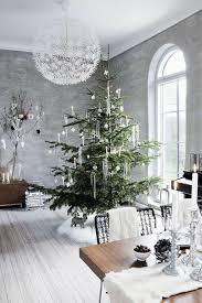white tree skirt 24 cozy faux fur christmas décor ideas shelterness