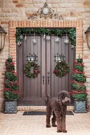 Christmas Decoration For Front Door by Porches And Patios Dressed For Christmas Ideas And Inspiration