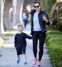 Robin Thicke Spends Quality Time With Son Julian In The Wake Of Divorce Filing Daily Mail Online Jennifer Garner Keeps It Chic On Morning Walk With Kids Daily