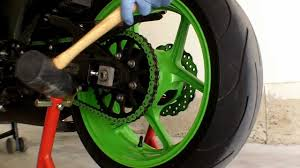 motorcycle front and rear wheel removal on a 2008 kawasaki zx6r