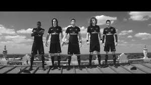 Famosos Nike apresenta nova terceira camisa do PSG 2015-2016 - YouTube @LY98