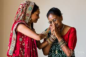 precious mother of the bride u0026 groom moments asian wedding ideas