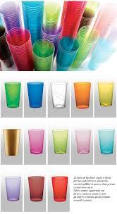 piatti e bicchieri di plastica colorati articoli monouso linea