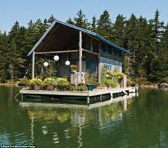 Small Cabins And Cottages Maine Couple Shares 240 Square Foot Floating Cabin Daily Mail Online