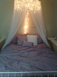 Diy Canopy Bed With Lights 7 Dreamy Diy Bedroom Canopies Icicle Lights Diy Bedroom And