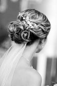 wedding hair veil best 25 wedding hairstyles veil ideas on wedding