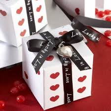Vegas Wedding Favors by Decorating For Your Las Vegas Wedding Wedding Favors Unlimited