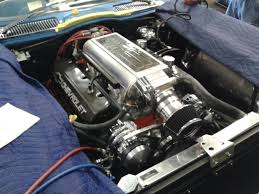 fuel injected corvette conversion from carburetor to fuel injection system