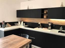 cuisine noir et étourdissant cuisine noir et bois et modele cuisine noir et blanc