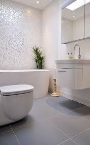 Mosaic Tiles Bathroom Ideas Best 25 White Mosaic Bathroom Ideas On Pinterest White Mosaic