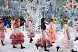 the chambre syndicale de la haute couture haute couture where fashion meets barnebys com
