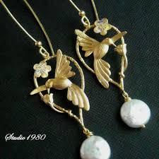 bridesmaid pearl earrings buy hummingbird earrings bridesmaid earrings mat gold swarovski