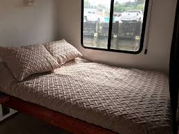 3 Bedroom Apartment For Rent By Owner Deluxe 3 Bedroom Houseboat For Rent On Pleasurecraft Marina In Gig