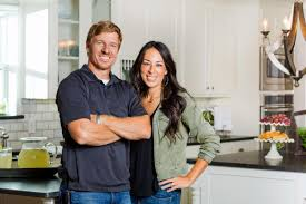 Fixer Upper Meaning Fixer Upper U0027 Stars Chip And Joanna Gaines Are Writing A Cookbook