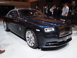 rolls royce 2016 video auto express drives rolls royce dawn