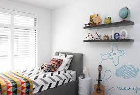 chambre garcon avion déco chambre enfant 50 idées cool pour enjoliver les murs