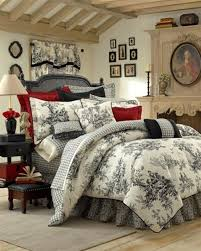 A Wonderful French Country Bedroom With A Toileprint Beddng Set - Bedroom beauties