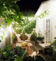 Creating Privacy In Your Backyard Creating Garden Living In Urban Dwellings Dig This Design