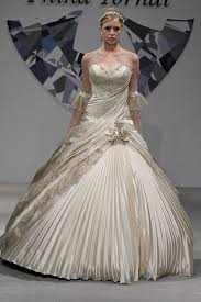wedding dresses 2010 the pnina tornai wedding dresses marifarthing