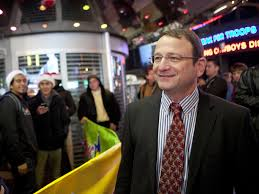 toys u0027r u0027 us ceo gerald storch is stepping down business insider