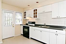 white wood kitchen cabinets