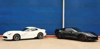viper or corvette dodge viper ta stomps the chevrolet corvette z06 srt