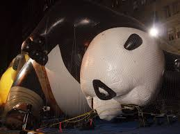 macy s thanksgiving day parade balloon inflation 2010 kun flickr