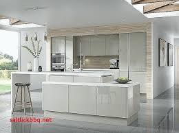 cuisine blanche mur taupe cuisine blanche et taupe cuisine a manger cuisine blanc avec mur