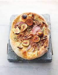 cuisiner les figues pizza aux figues crème à l ail et noix de coco pour 4 personnes