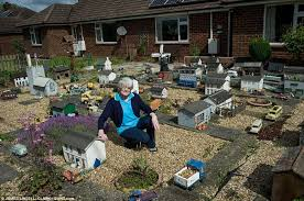 miniature diy sos model once s pride and left