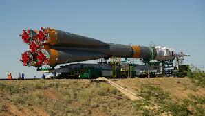 file soyuz tma 05m spacecraft roll out by train 2 jpg wikimedia