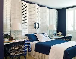 chambre marine 12 idées pour une décoration de chambre en bleu marine bricobistro