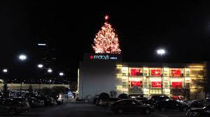 lenox tree lighting 2017 macy s christmas tree at lenox square youtube